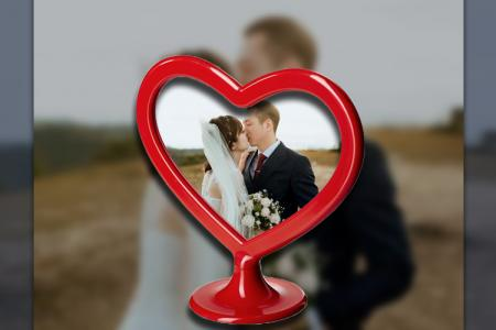 Red heart photo frame